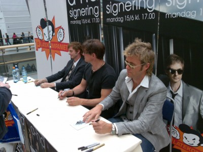 a-ha_signing_oslo_01